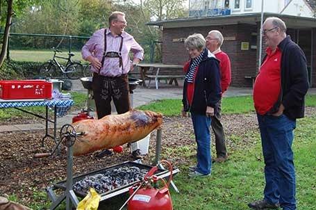 Oktoberfest-Brake-Spanferkel